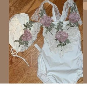 Other - Baby girls romper and bonnet